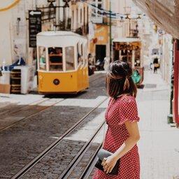 rsz_portugal-lissabon-tram-straatbeeld