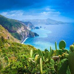rsz_sicilie-eolische-eilanden-lipari-natuur-uitzicht-vulkaan-stromboli