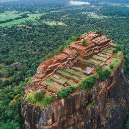 rsz_sri-lanka-culturele-driehoek-excursie-beklimming-sigiriya-rock_1