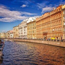 Rusland-Sint-Petersburg-sfeerbeeld-gracht