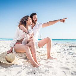 Seychellen-algemeen-koppel-op-het-strand
