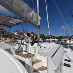 Seychellen-Bat-o-Blue-Lagoon-450-deck-2