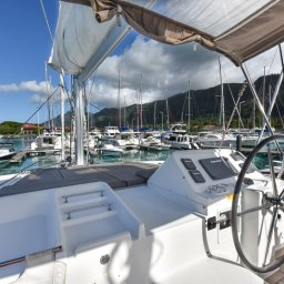 Seychellen-Bat-o-Blue-Lagoon-450-roer