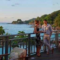 Seychellen-Mahe-Hilton-Northolme-Resort-&-Spa-koppel-terras