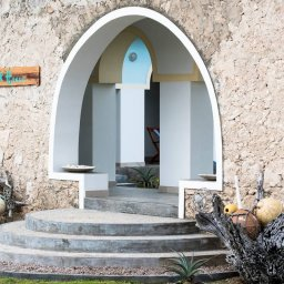 Seychellen-Private-Eilanden-Astove-Coral-House-huis-ingang