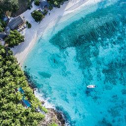 Seychellen-Private-eilanden-North-Island-luchtfoto-boot