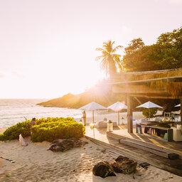 Seychellen-Private-eilanden-North-Island-Piazza-Bar-en-Lounge