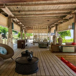 Seychellen-Private-eilanden-North-Island-Piazza-Bar-en-Lounge-interieur
