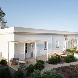 Sicilie-Eolische-Eilanden-Capofaro-Locanda-&-Malvasia-hotelgebouw-vuurtoren