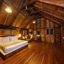 Sigiriya-Aliya-resort-houten-kamer