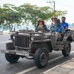 Sri-Lanka-Colombo-Excursie-Colonial-Colombo-by-vintage-jeep-1