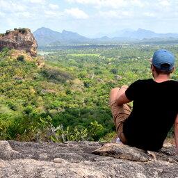 Sri-Lanka-Culturele-Driehoek-Excursie-Beklimming-Pidurangala-rock 3