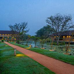 Sri-Lanka-Sigiriya-Hotel-Water-Garden-omgeving