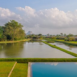 Sri-Lanka-Sigiriya-Hotel-Water-Garden-omgeving2