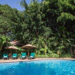 Tanzania-Arusha-Coffee-lodge-zwembad-bis