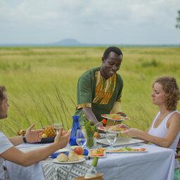 Tanzania-Katavi NP-Mbali-Mbali-Katavi-Lodge-koppel-ontbijt