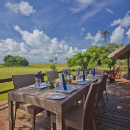 Tanzania-Katavi NP-Mbali-Mbali-Katavi-Lodge-tafel-deck
