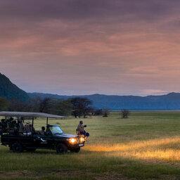 Tanzania-Lake-Manyara-&Beyond-Lake-Manyara-Tree-Lodge-avond-safari