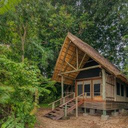 Tanzania-Mahale-Mountains-Mbali-Mbali-Mahale-Lodge-tent-exterieur