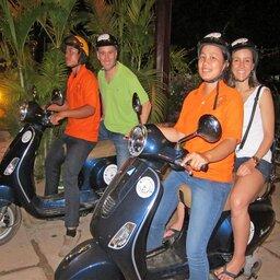Thailand-Chiang-Mai-Excursie-vespa-after-dark-foodie-tour-1