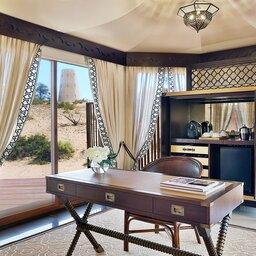 VAE-Ras Al Khaimah-Ritz Carlton Al Wadi Desert-Al Khaimah en Al sahari tented villa's