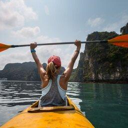 Vietnam-Ha Long Bay-kayakken