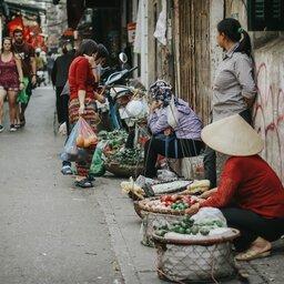 Vietnam-Hanoi-Excursie-walk-with-an-expert-in-heritage-Hanoi-2