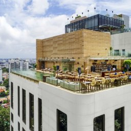 Vietnam-Ho-Chi-Minh-Hotel-Des-Arts-bar-dakterras-overdag