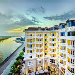 Vietnam-Hoi-An-Royal-Hoi-An-MGallery-Hotel-hotelgebouw