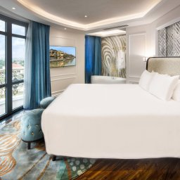 Vietnam-Hoi-An-Royal-Hoi-An-MGallery-Hotel-suite