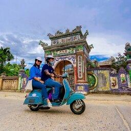 Vietnam-Hue-Excursie-Rural-Life-Discovery-in-Hue-by-Vintage-Vespa-2