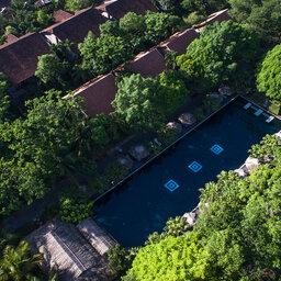 Vietnam-Hue-Pelgrimage-Village-luchtfoto-zwembad