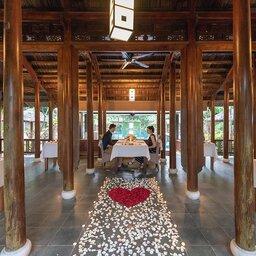 Vietnam-Hue-Pelgrimage-Village-romantisch-diner
