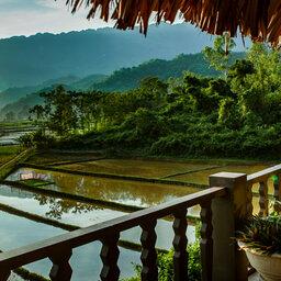Vietnam-Mai-Chau-Ecolodge-Mai-Chau-uitzicht-rijstpaddies