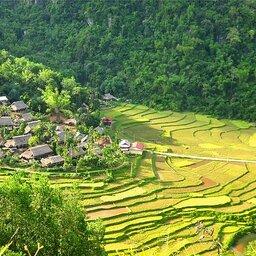 Vietnam-Pu-Luong-Puluong-Nature-Resort-luchtfoto-enkel-redactioneel-gebruik