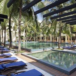 Vietnam-Stranden-Midden-Vietnam-Anantara-Hoi-An-zwembad