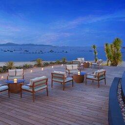 Vietnam-Stranden-Midden-Vietnam-Avani-Quy-Nhon-bar-zwembad