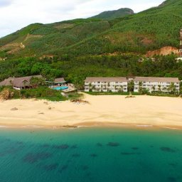 Vietnam-Stranden-Midden-Vietnam-Avani-Quy-Nhon-luchtfoto