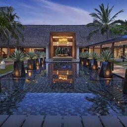 Vietnam-Stranden-Midden-Vietnam-Avani-Quy-Nhon-zwembad