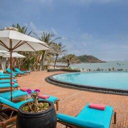 Vietnam-Stranden-Midden-Vietnam-Avani-Quy-Nhon-zwembad2