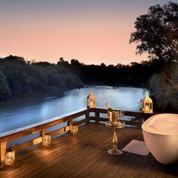 Zambia-Livingstone-Royal-chundu-zambezi-island-lodge-outdoor-bad