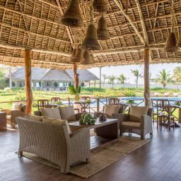 Zanzibar-Zawadi-Hotel-bar-zwembad