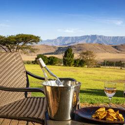 Zuid-Afrika-Drakensbergen-Montusi-Mountain-Lodge-patio