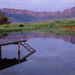 Zuid-Afrika-Drakensbergen-Montusi-Mountain-Lodge-pier-2