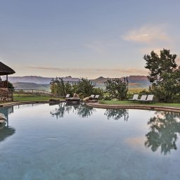 Zuid-Afrika-Drakensbergen-Montusi-Mountain-Lodge-zwembad