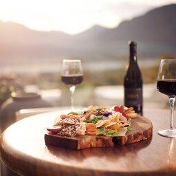 Zuid-Afrika-Kaapse-Wijnlanden-hotel-Mont Rochelle-mont-rochelle-drinks-on-the-terrace