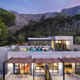 Zuid-Afrika-Kaapstad-Camissa-House-hotelgebouw-avond