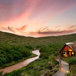 Zuid-Afrika-oostkaap-kwandwe-Great-Fish-River-Lodge-buitenaanzicht