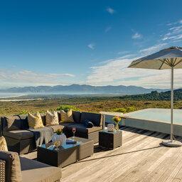 Zuid-Afrika-Rondom-Kaap-Hermanus-hotel-Grootbos-Forest-Lodge-zwembad-5