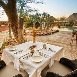 Zuid-Afrika-Tswalu-Kalahari-Private-reserve-the-motse-safarilodge-buitenruimte